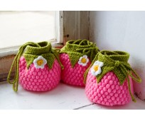 Chrochetted mini bags for small girls